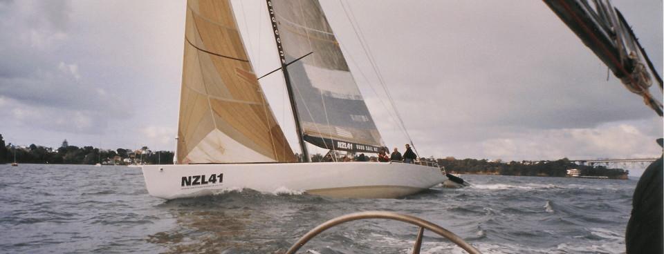 Yate navegando 4